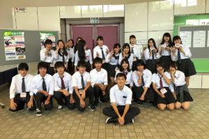 ボランティアは 橋本高校 ダンス部、上鶴間高校 軽音楽部の皆さん